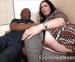 Chubby Milf Orgasms on..
