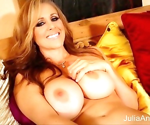 Blonde Milf Julia Ann..