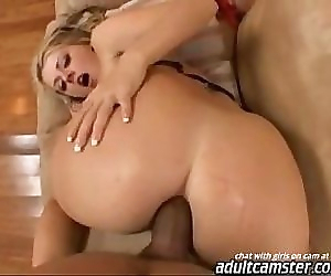 Sophie dee getting..
